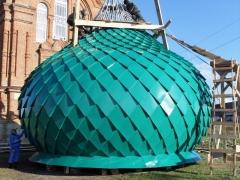 луковичной формы, отделка «в лемех» оцинкованной сталью порошковой покраской